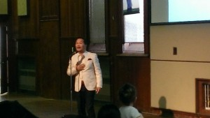 Ray An Fuentes, is a famous performer in the Philippines. He now sings and delivers the word of God to world and resides in British Columbia. His performance at Brunswick Street Baptist Church was fantastic .